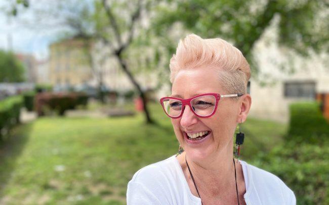 Aszalós Kinga Thinwood piros szemüveg