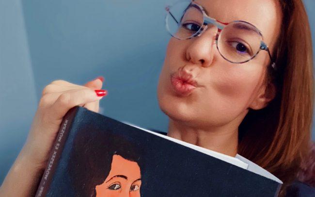 Magdus retro mintájú szemüvege