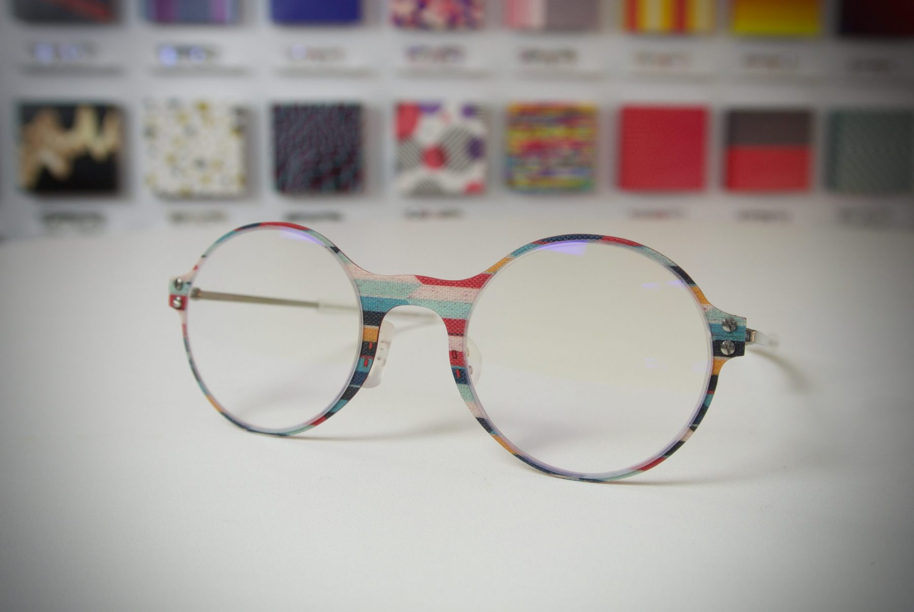 Transofmers mintájú szemüveg